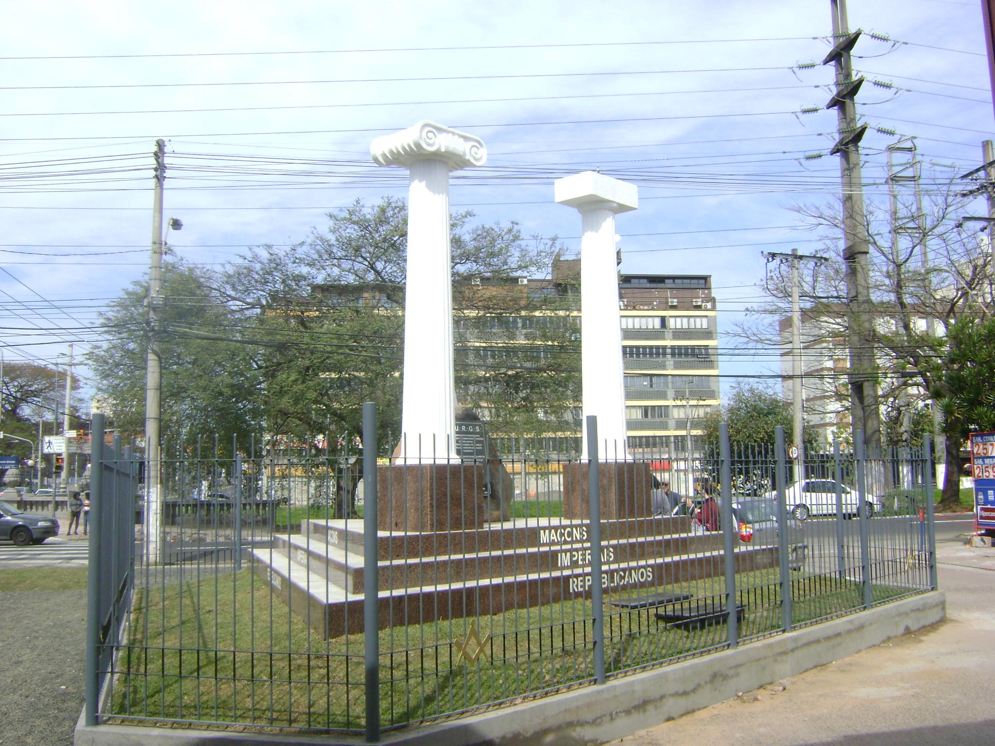 #2766A4  se encontra em zênite projetando sua luz sobre todos sem sombra 828 Loja De Janelas De Aluminio Em Porto Alegre