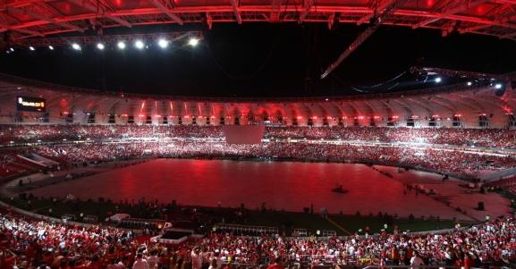 05-abr-2014---estadio-beira-rio-ganhou-luzes-vermelhas-cor-do-internacional-durante-a-festa-de-reinauguracao-1396740788873_956x500