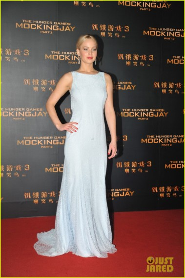 """Jennifer Lawrence glams up red carpet for """"The Hunger Games: Mockingjay ¨C Part 2"""" premierein China"""