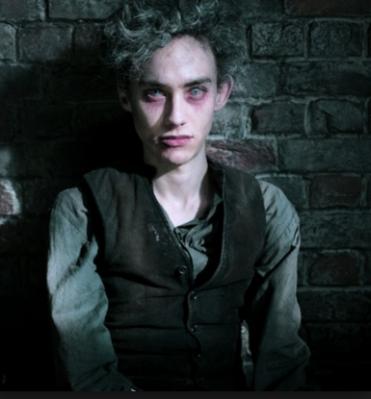 Como o vampiro Fenton, em Penny Dreadfull