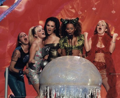 the-spice-girls-mtv-emas-1383049245-view-0 (1)