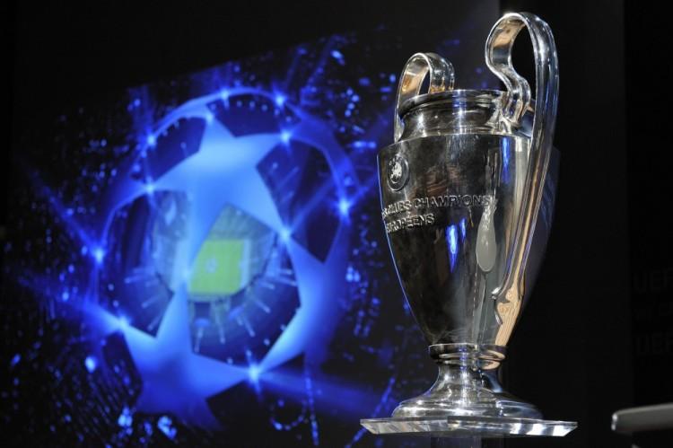 Champions-League-trophy-e1440594521960
