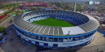 El Cilindro com o estádio do Independiente ao fundo
