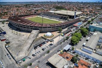 Maceió, 11 de novembro de 2014Vista aérea do Majestoso Estádio Rei Pelé, a maior arena de futebol de Alagoas. Foi inaugurado em 25 de outubro de 1970 e tem capacidade para 18.801 pessoas, de acordo com o Cadastro Nacional de Estádios de Futebol (CNEF) editado pela CBF em 13 de janeiro de 2012. Alagoas – Brasil.Foto: Ailton Cruz