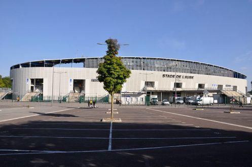 Façade_du_stade_de_l'Aube.jpeg