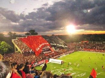 newellscolosodelparque 2. Em que canal vai passar o jogo do Atlético  Paranaense?